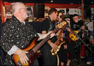 Steve's band - Lattitude